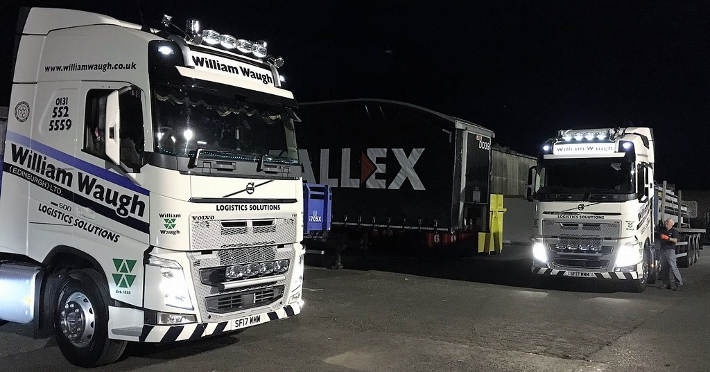 A New Pair of Volvo FH 500's